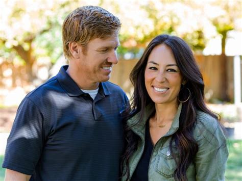 home to flip tv show 12 times chip and joanna gave us major relationshipgoals