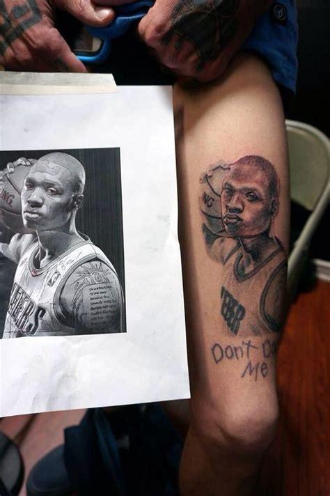 球迷将利拉德的头像做成纹身 虎扑nba新闻