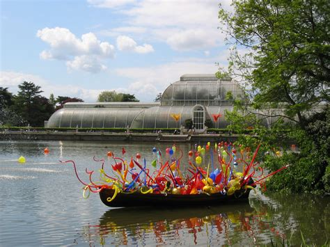On The Bridge Creativity And Light In Chihuly S Lumi 232 Re The Royal Botanic Gardens Kew