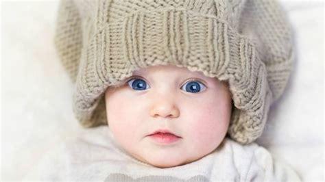 alimentazione neonato 2 mesi lo sviluppo bambino a 2 mesi paginemamma