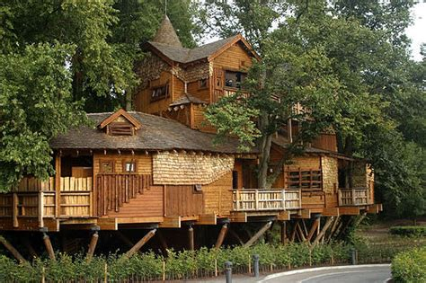 nice tree houses nice treehouses from around the world 1001 gardens
