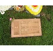 Sennas Grab Die Aufschrift Bedeutet &252bersetzt Nichts Kann Mich Von
