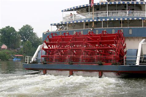 lower mississippi river boat cruise upper mississippi river vs lower mississippi river