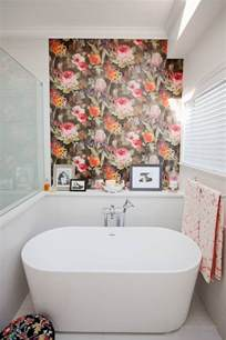 bathroom wall art ideas