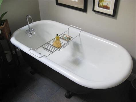 cleaning porcelain bathtub how to clean a porcelain bathtub or sink bathroom solution