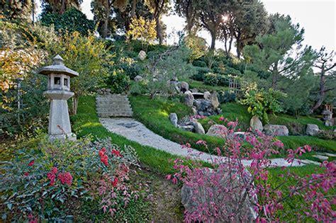 arte giardino pietre piante e acqua