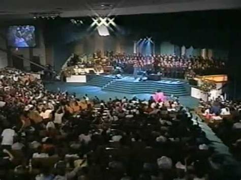 the potter s house td jakes and the potter s house mass choir he ll meet my