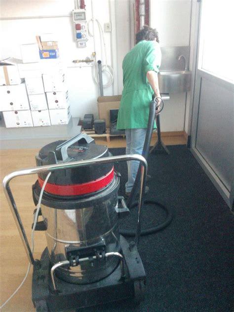 lavaggio tappeti monza lavaggio tende e imbottiture sedie e tessuti a monza e