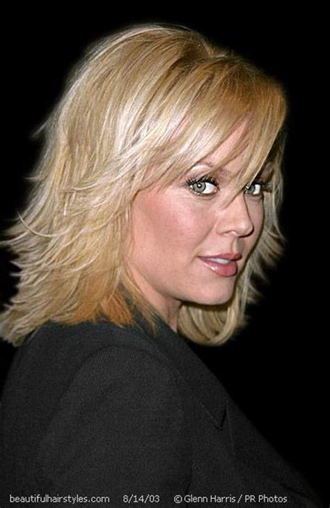 popular feathered haircuts 1975 best 25 feathered hairstyles ideas on pinterest framed