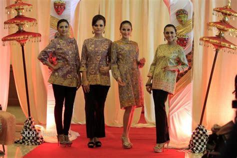 Danar Hadi Casual Batik peragaan busana feature solopos fm 187 harian jogja
