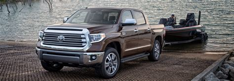 how much can a jeeppass tow how much can the 2018 toyota tundra tow