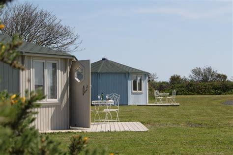 Last Minute Coastal Cottages Uk by Coastal Cabins Gling Hartland Near Bideford