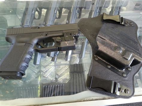 glock 19 strobe light glock 19 gen3 w viridian light laser strobe