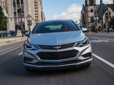 chevrolet cruze road test 2017 chevrolet cruze road test and review autobytel