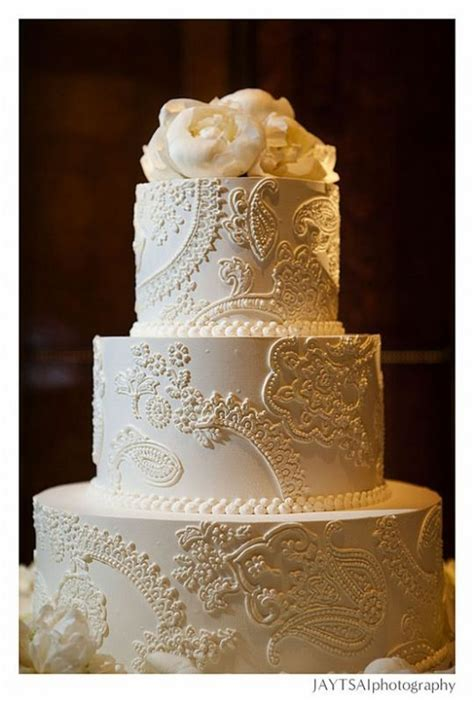 Show me your fondant free Lace themed wedding cakes please