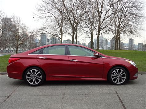 top of the line hyundai sedan 2014 hyundai sonata 2 0t limited road test review