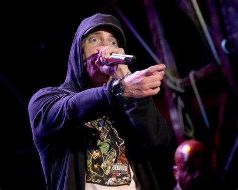 eminem azlyrics acl live shot eminem why be a king when you can be a