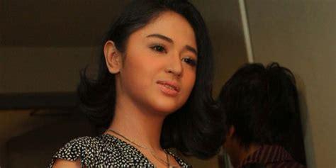 gambar bintang film indonesia hot dewi perssik kembali akting dengan bintang porno