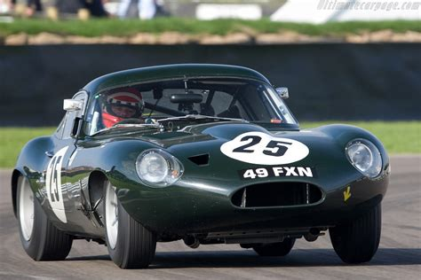 jaguar e type a celebration of the world s favourite 60s icon great cars books jaguar e type lightweight low drag 2008 goodwood revival