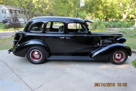 1937 chevy 4 door sedan rod 454 700r4