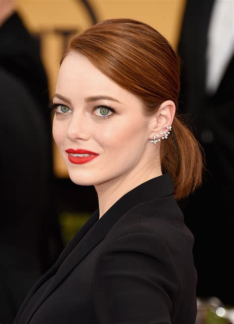 emma stone earrings sag awards 2015 all of the beauty looks you need to see
