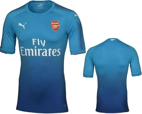arsenal kit 2017 18 kind of blue arsenal officially unveil their shiny new