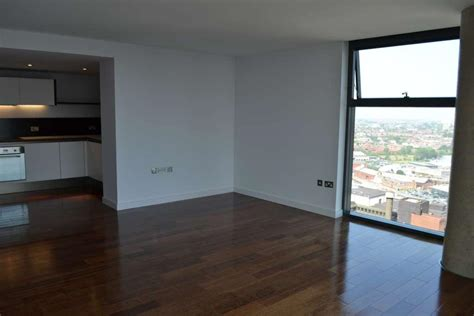 room to rent liverpool 2 bedroom apartment to rent in west tower liverpool l3