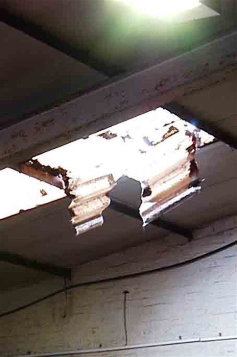 warning of fragile rooflight risk is insufficient pp