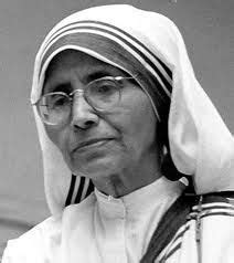 mother teresa biography in french amazing photos on august and communion on pinterest