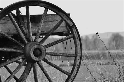 Wagon Wheel Hub L by Wood Work How To Make A Wooden Wagon Wheel Hub Pdf Plans