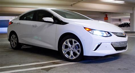 chevrolet all electric car review the 2016 chevy volt is the easy way into an