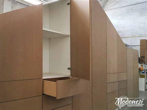 armadio su misura mansarda armadio su misura per mansarda grande falegnameria modonesi