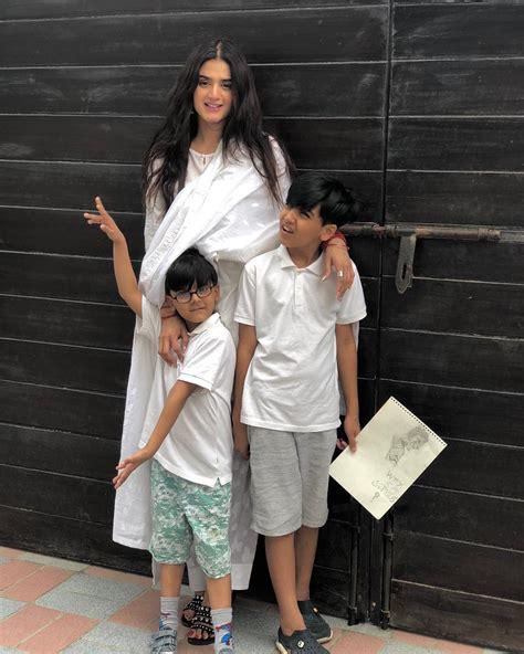 latest beautiful pictures  hira mani   kids pakistani drama celebrities