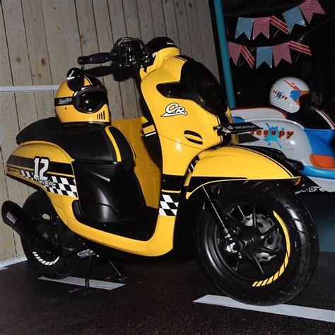 Modifikasi Scoopy 2017 Hitam Putih by Modifikasi All New Scoopy 2017 Cafe Racer Ini Keren Banget