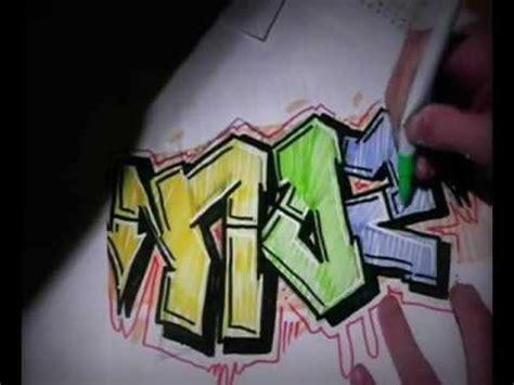 graffiti sur papier  apprendre le tag sketch action