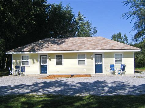 cottage and bungalow bungalow cottage sleeps 8 10