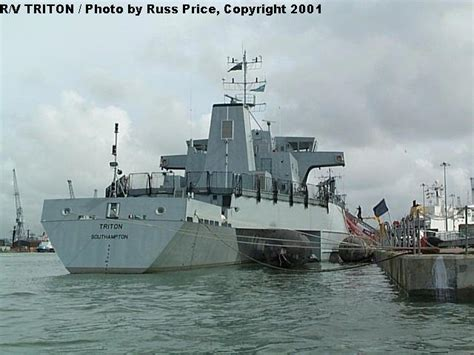 trimaran warship haze gray underway photo feature trimaran r v triton