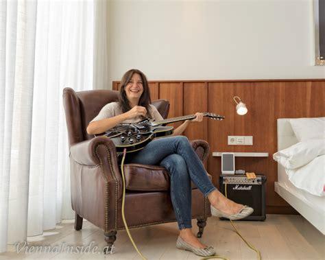 Ja So Ein Zimmer Das Ist Ein Instrument by Ruby Sofie Hotel Wien Musik Liegt In Der Luft