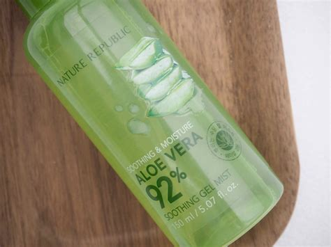 Nature Republic New Soothing Moisture Aloe Vera Gel nature republic soothing moisture aloe vera 92 soothing