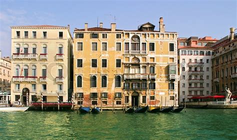 houses in venice italy old historical houses on grand canal in venice italy