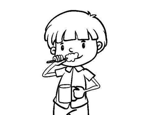 dibujo de ni a cepill ndose los dientes para colorear lavarse los dientes para colorear imagui