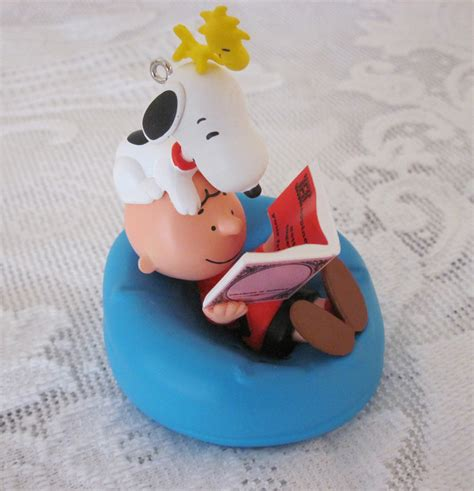 2011 happiness is the peanuts gang christmas ornament