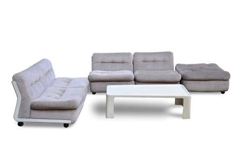 tavolini poltrone e sofa poltrona vintage tra gio ponti e zanuso italian vintage sofa