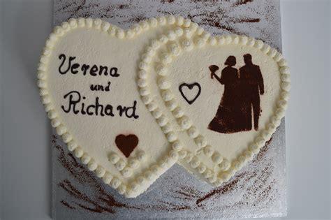 Hochzeitstorte Herz by Hochzeitstorten Zuckerkuss