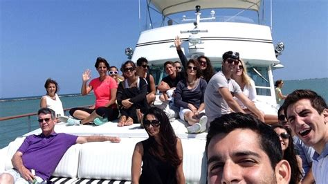 charter boat chicago bachelorette party best 7 party boat charter chicago images on pinterest