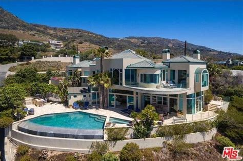 Nice Homes Interior by Neil Diamond Picks Up A 7m Home In Malibu S Blue Whale