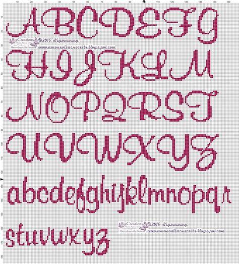 lettere a punto croce in corsivo oltre 25 fantastiche idee su lettere punto croce su