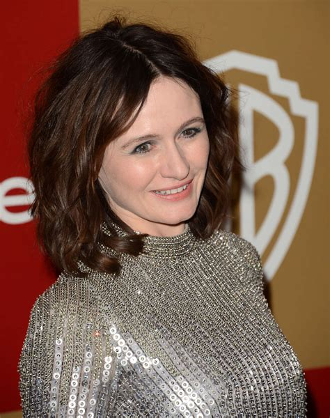 Style Emily Mortimer by Emily Mortimer 2013 Warner Bros Instyle 03 Gotceleb