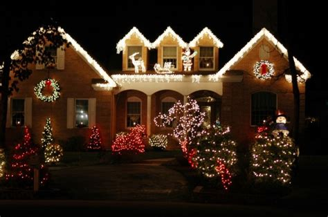 stunning outdoor christmas displays interior design the best 40 outdoor christmas lighting ideas that will