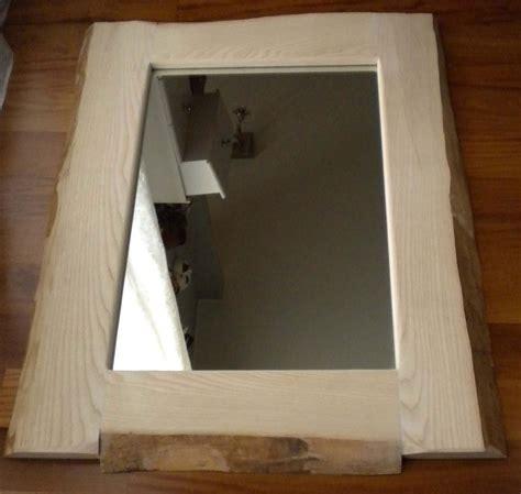 cornici per specchi fai da te specchio fai da te con legno e corteccia naturale cose